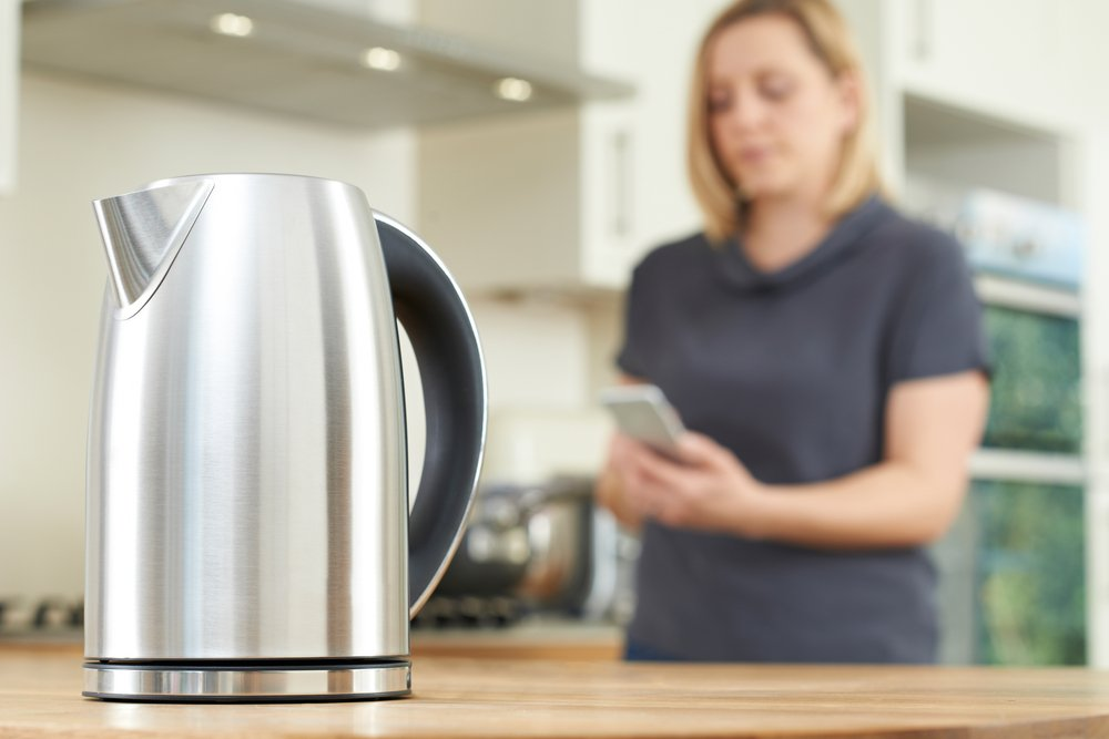 how to remove limescale from a kettle
