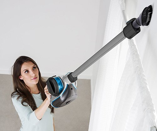 Reaching at heights with a cordless vacuum