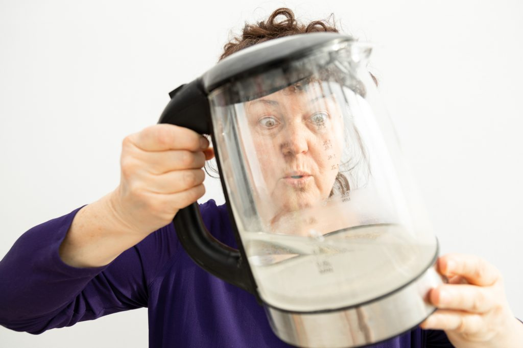 How to clean and descale a kettle